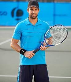 До 3 часов игры в большой теннис с арендой мячиков на кортах теннисного клуба «Лев» со скидкой 60%!!!