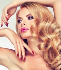 Мужской и женский маникюр, педикюр, услуги для волос со скидкой до 81%! Салон красоты «Diamond» (Даймонд)