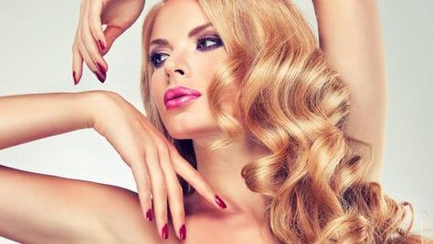 Мужской и женский маникюр, педикюр, услуги для волос со скидкой до 81%, от салона красоты «Diamond» (Даймонд)