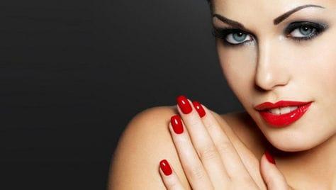 Скидка до 67% на мужской и женский маникюр от студии красоты «Nails Bar» (Наилс Бар).