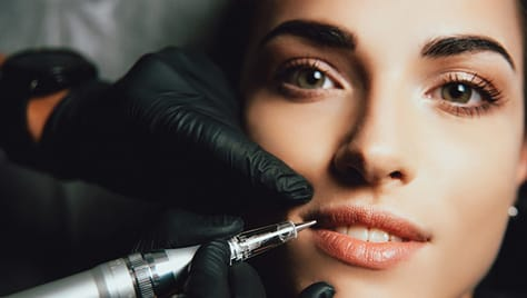 Скидка до 58% на любые виды перманентного макияжа, студия