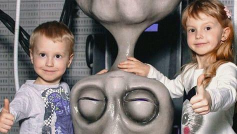Билет на интерактивную развлекательную шоу-выставку «Корпорация инопланетян» со скидкой 50%