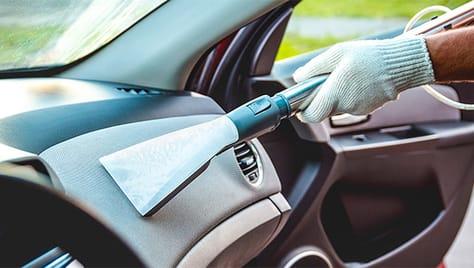 Химчистка салона и полировка кузова от автомойки «Хуторок» со скидкой 50%